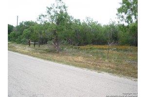 Wosnig Rd, Marion, TX 78124