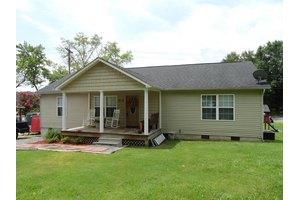 318 W Broad St, Clinton, TN 37716