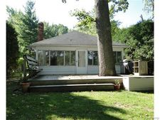 7180 Colony Dr, West Bloomfield Township, MI 48323