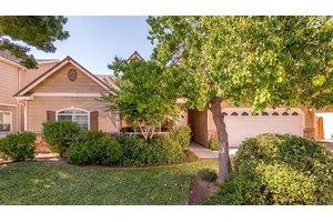 4113 W Cortland Ave, Fresno, CA 93722