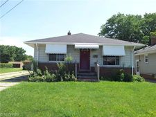5295 E 135th St, Garfield Heights, OH 44125