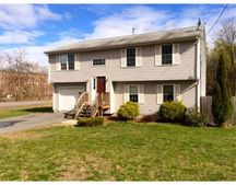 39 Angell Ave, Johnston, RI 02919