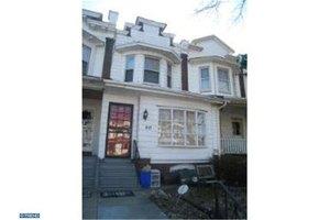 817 S 60th St, Philadelphia, PA 19143