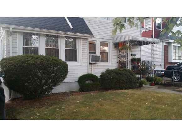 18623 Pineville Ln Springfield Gardens Ny 11413 Home For Sale And Real Estate Listing