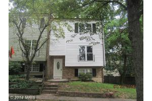 26 Maple Hollow Ct, Baltimore, MD 21234