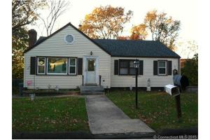 124 Highland Ave, East Haven, CT 06513