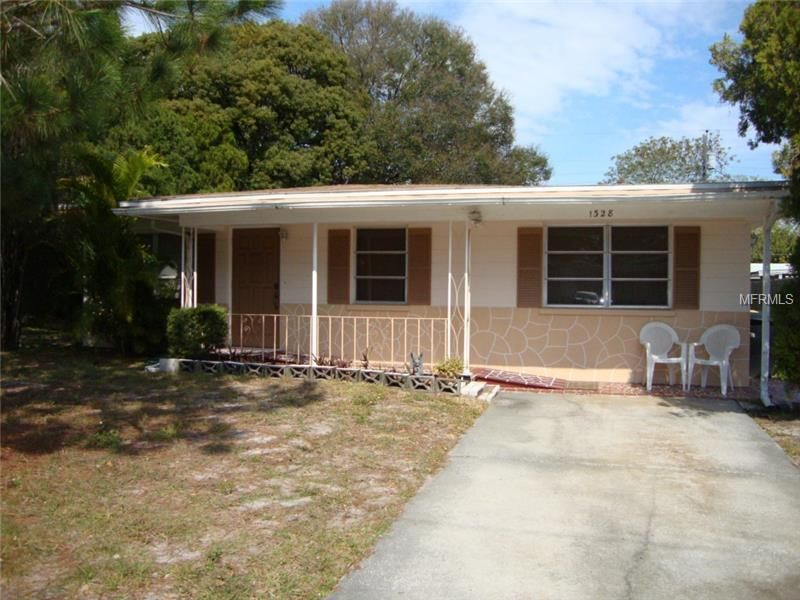 1328 Tuscola St Clearwater, FL 33756