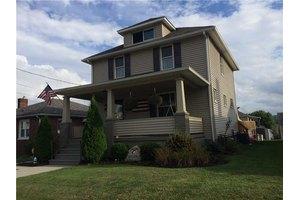 605 Hazel Ave, Ellwood City - Law, PA 16117