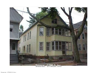 86 Lombard St, New Haven, CT 06513