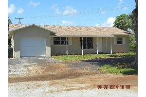 2341 NW 3rd Ave, Boca Raton, FL 33431