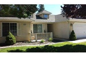 5691 W Paul Ave, Fresno, CA 93722
