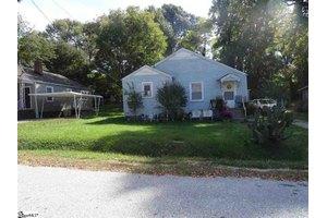 108 Durham St, Greenville, SC 29611