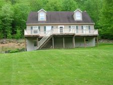 131 Greenbriar Rd, Elliottsburg, PA 17024