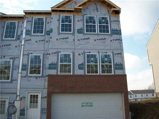 118 holly hill dr greensburg pa 15601 home for sale for Home builders greensburg pa