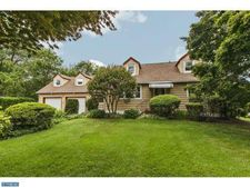 15 Orchard Ave, Pennington, NJ 08534
