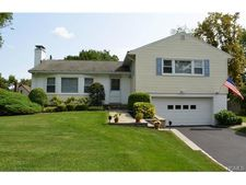 13 Maplemoor Ln, White Plains, NY 10605