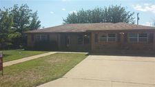 1611 Avenue I, Ralls, TX 79357