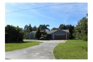 2758 Kimberlee Ln, Kissimmee, FL 34744