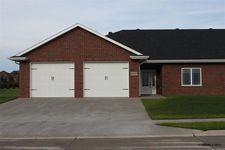 1007 Sw 8th St, Dyersville, IA 52040