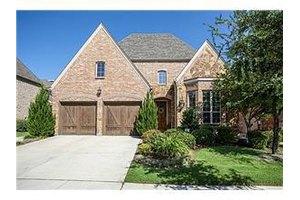 8904 Cypress Creek Rd, Lantana, TX 76226