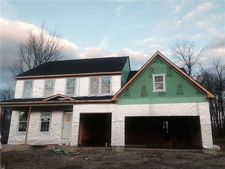 103 Highcroft Cir, North Strabane, PA 15330