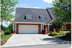 1051 Fine Glen Dr, Sevierville, TN 37862