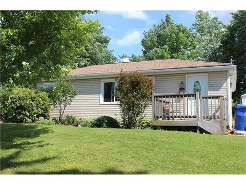 452 Franklin St, Slippery Rock, PA 16057