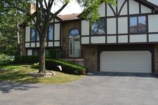 871 S Dwyer Ave, Arlington Heights, IL 60005