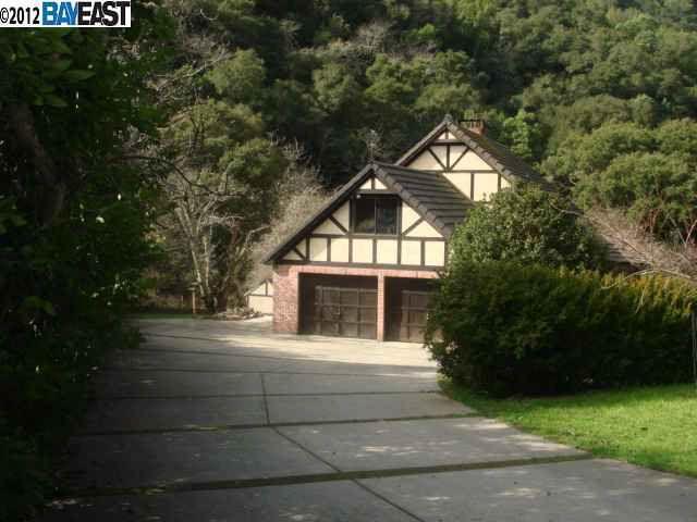 31111 Palomares Rd, Castro Valley, CA 94552
