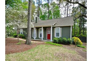 104 Spincast Ct, Peachtree City, GA 30269