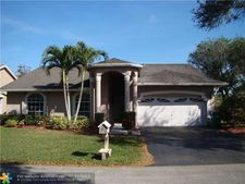 5311 Nw 99th Way, Coral Springs, FL 33076