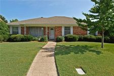 2113 Apollo Rd, Richardson, TX 75081
