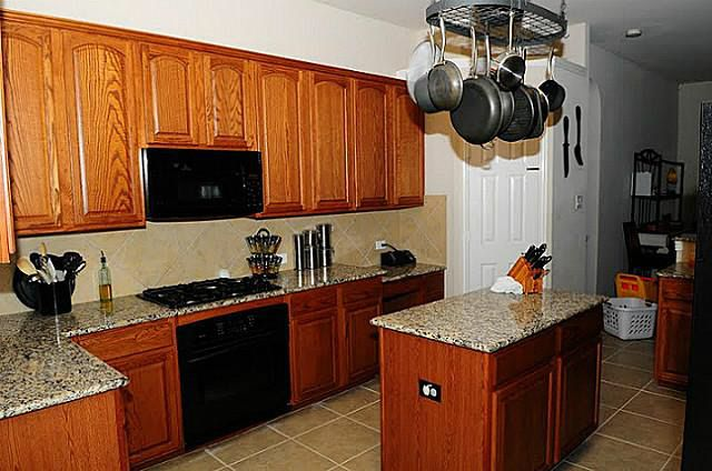 10241 paintbrush dr fort worth tx 76244 for Kitchen cabinets 76244