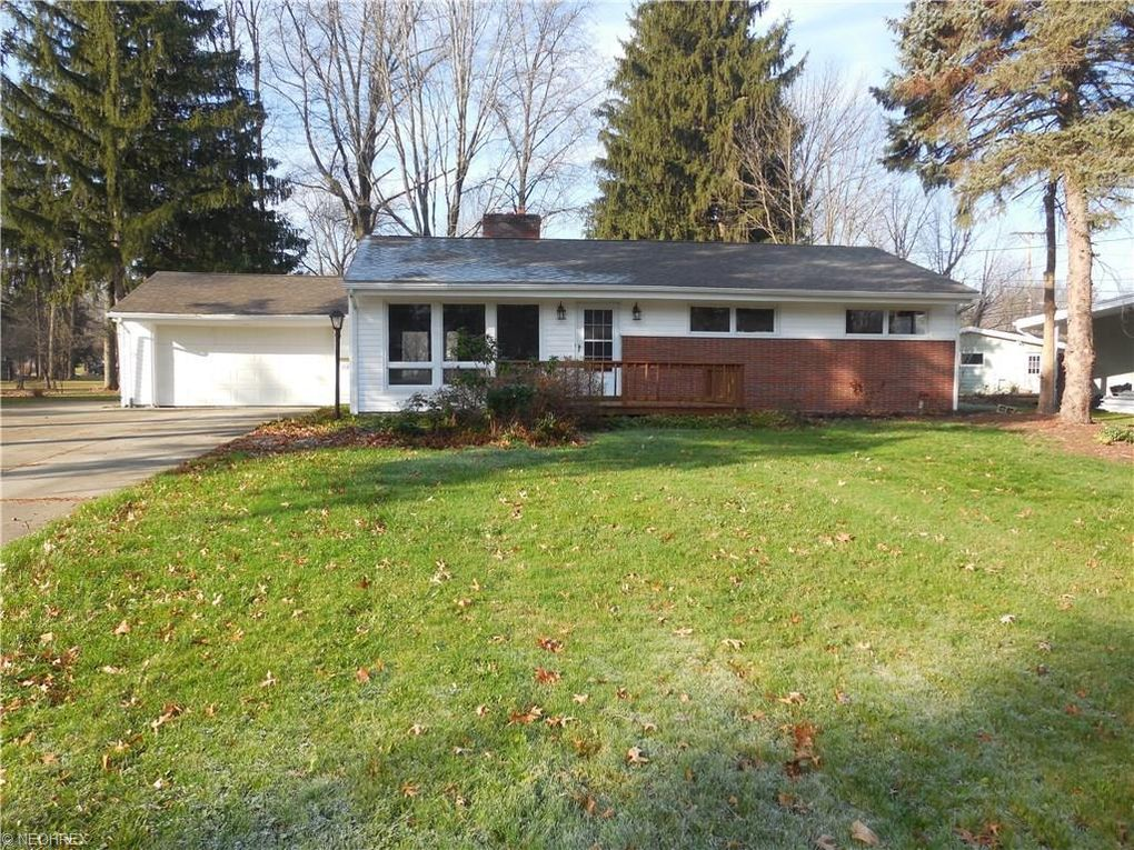 3140 Redgate Ln, Youngstown, OH 44511