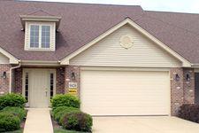 9426 Churchill Dr, Hickory Hills, IL 60457