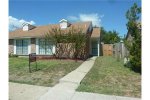 4526 Carr St, The Colony, TX 75056