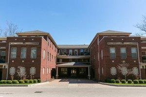 2000 Lancashire Ave Unit 301, Louisville, KY 40205
