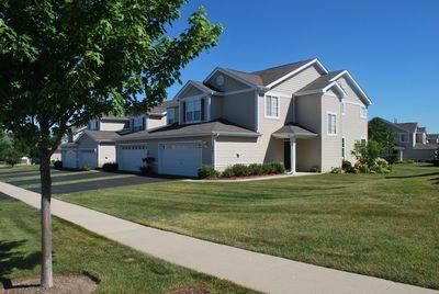 1461 W Remington Ln, Round Lake, IL