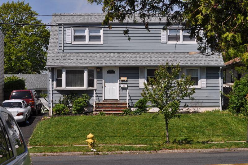 1588 Lawrence St, Rahway, NJ 07065