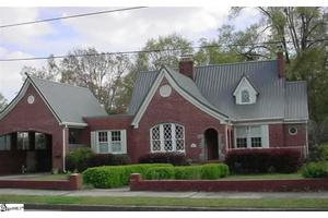 203 W Walnut St, Clinton, SC 29325