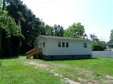 402 N Lewis St, Tabor City, NC 28463