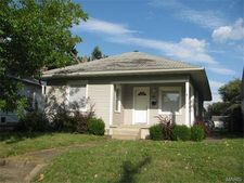 1310 N 12th St, Quincy, IL 62301