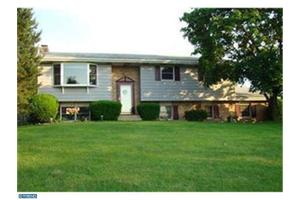 455 Blue Ridge Dr, NAZARETH, PA 18064