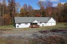 1487 Tillotson Rd, Pinnacle, NC 27043