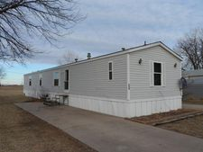 230 Lakeview Dr, Mcpherson, KS 67460