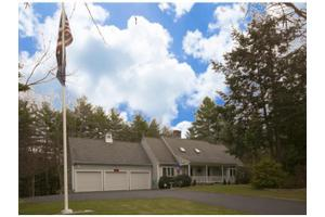 35 Reyners Brook Dr, Dover, NH 03820