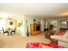 982 Sierra Vista Ln, Valley Cottage, NY 10989