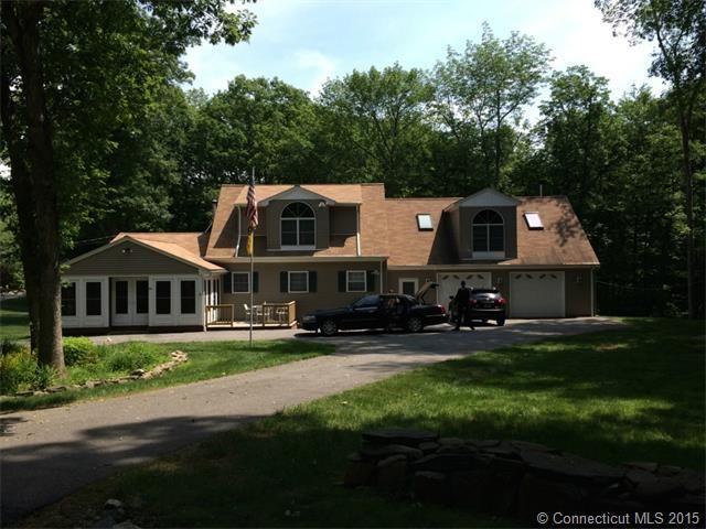 22 Lakeside Dr, Ashford, CT 06278 - realtor.com®