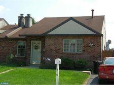 410 Marsden Ave, Essington, PA 19029