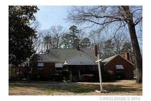 1711 W Sugar Creek Rd, Charlotte, NC 28262